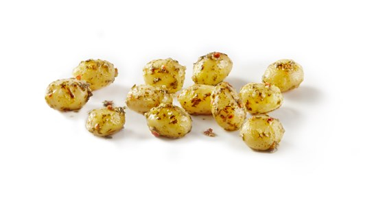 805247 Marinated potatoes wild garlic